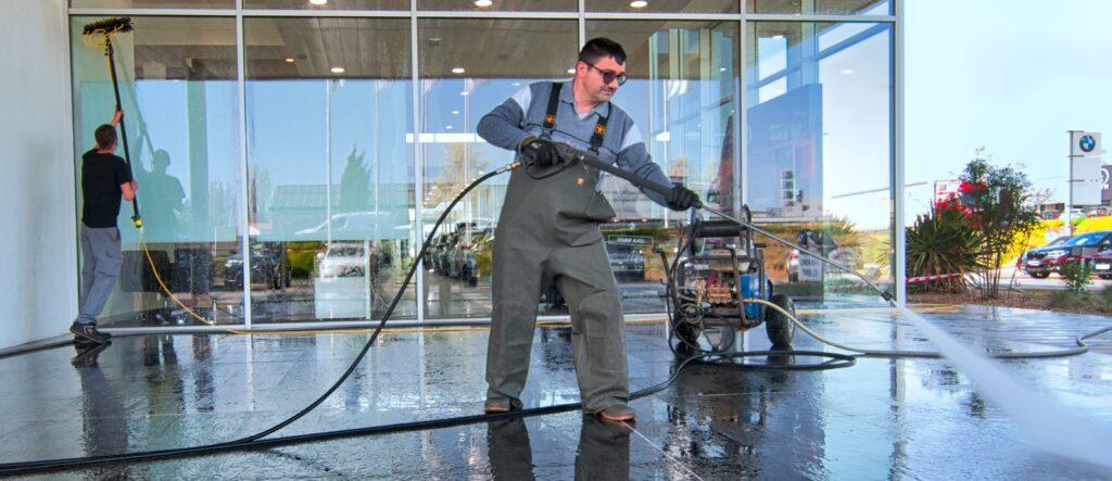 Nettoyage concession automobile